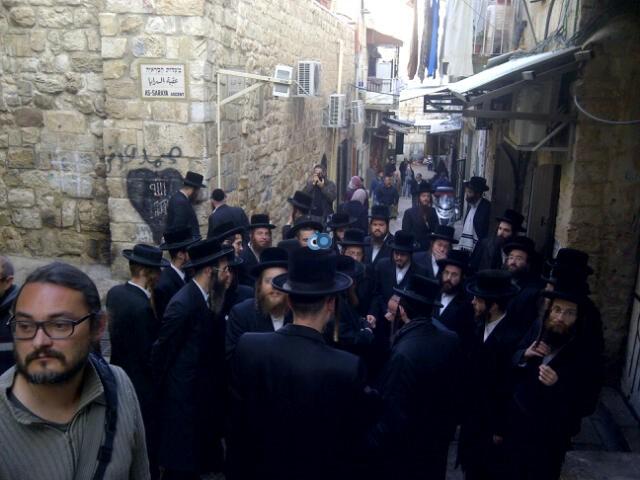 יום עיון חרדים נדבורנא רובע היהודי צילם 24 (3)