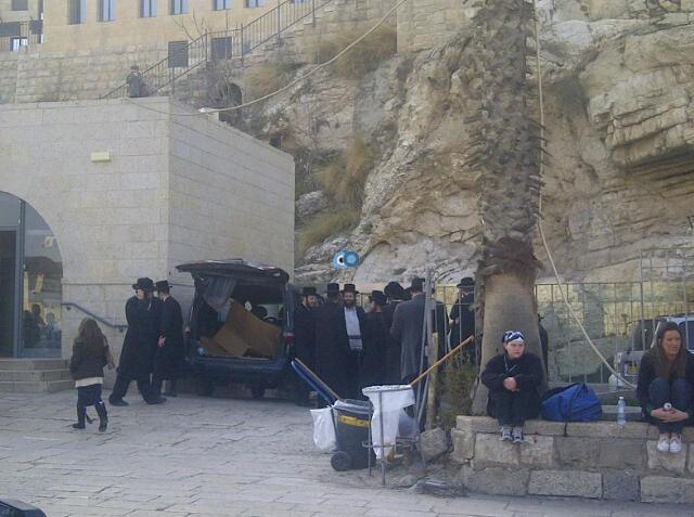 יום עיון חרדים נדבורנא רובע היהודי צילם 24 (40)
