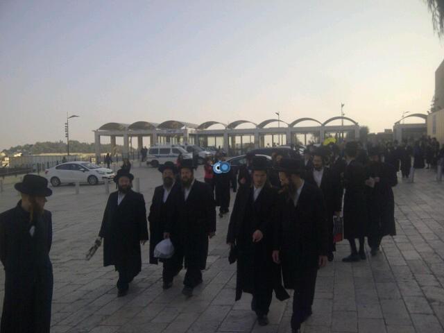 יום עיון חרדים נדבורנא רובע היהודי צילם 24 (45)