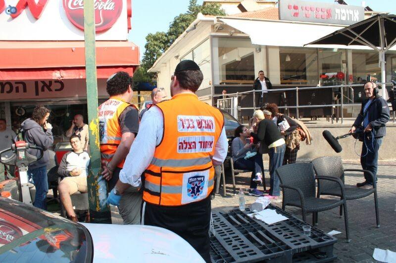 תאונה  אוטובוס  עם רכב  צילם משה מזרחי 24 (1)