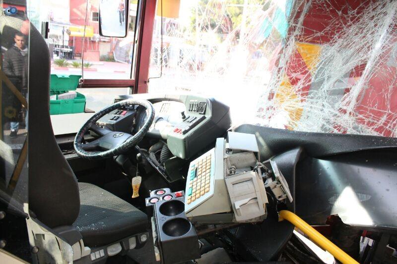 תאונה  אוטובוס  עם רכב  צילם משה מזרחי 24 (2)