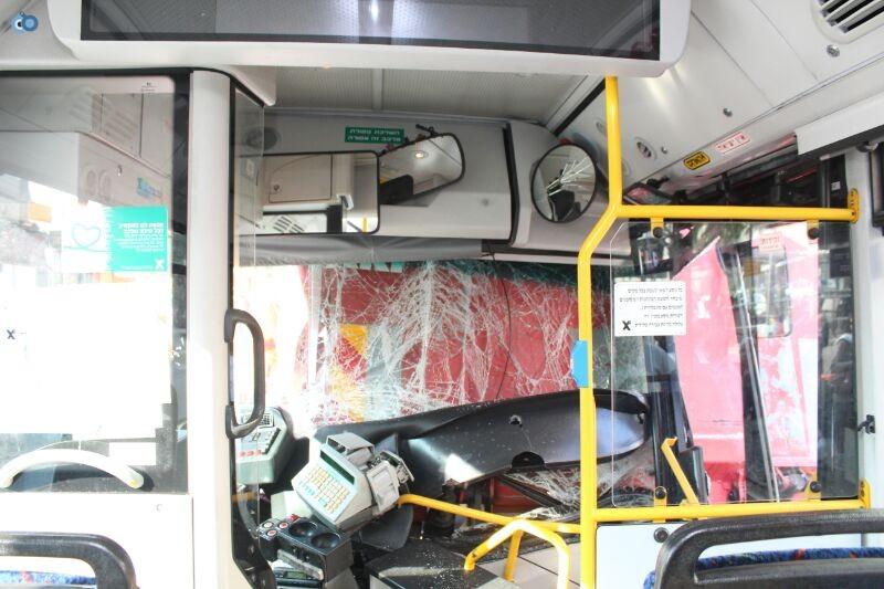 תאונה  אוטובוס  עם רכב  צילם משה מזרחי 24 (5)