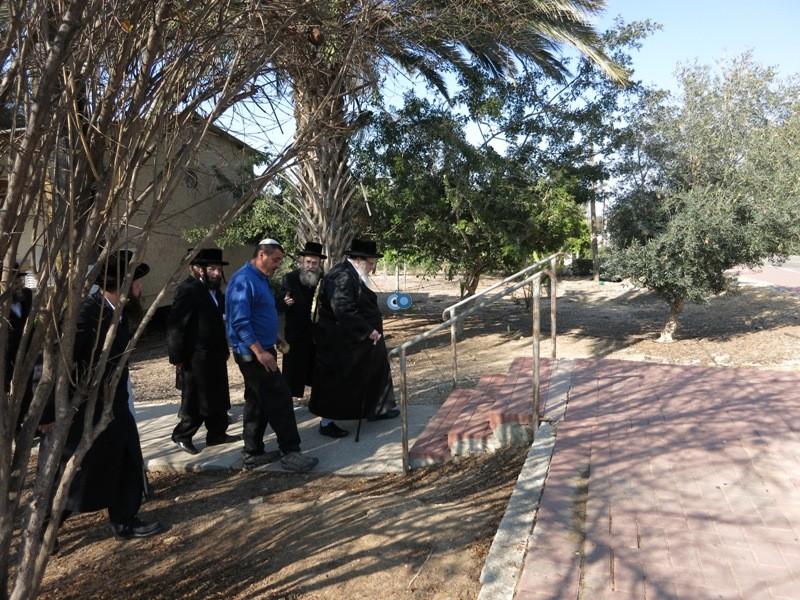 האדמו''ר מבעלזא כפר הנופש הרי''ף צילם מגזין הציבור החרדי (12)