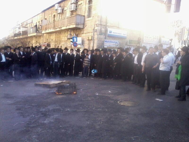 הפגנה כיכר השבת הפגנה שקטה צילם שמואל בן ישי 24 (1)