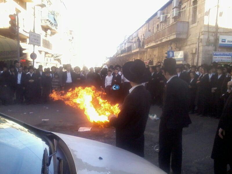 הפגנה כיכר השבת הפגנה שקטה צילם שמואל בן ישי 24 (6)