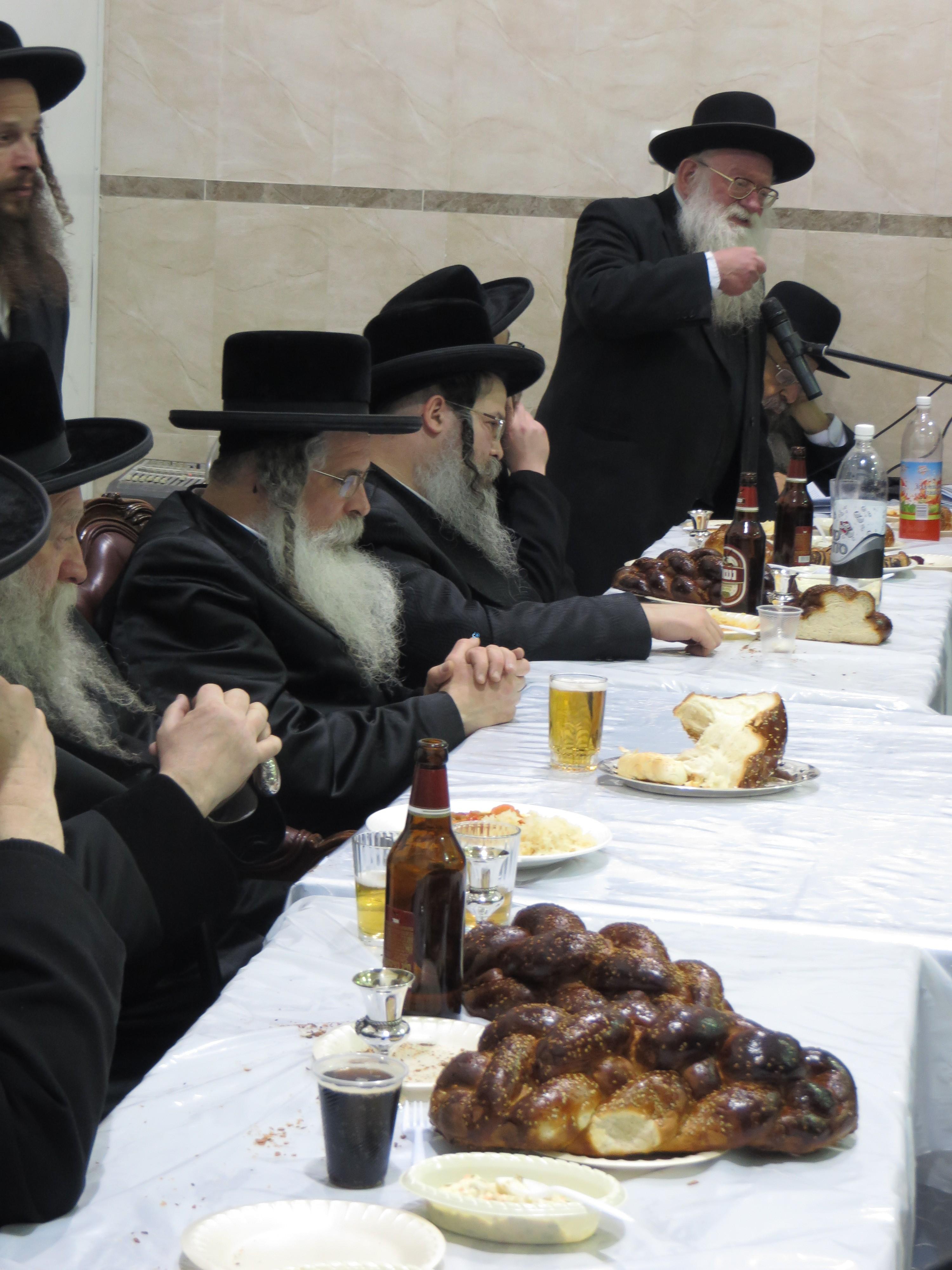 נדבורנא ירושלים בהילולת אביו צילם מוטי (1)