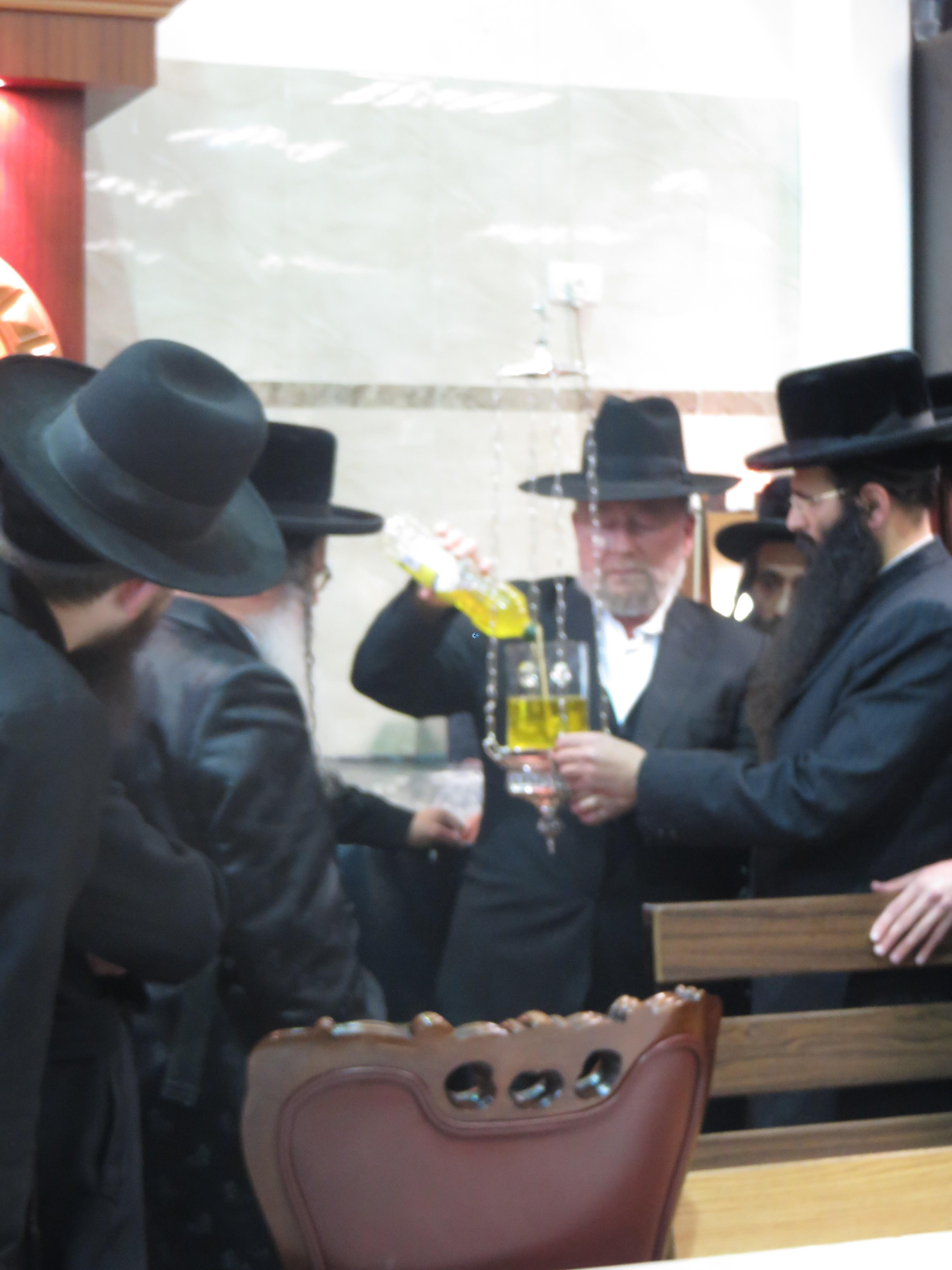 נדבורנא ירושלים בהילולת אביו צילם מוטי (6)