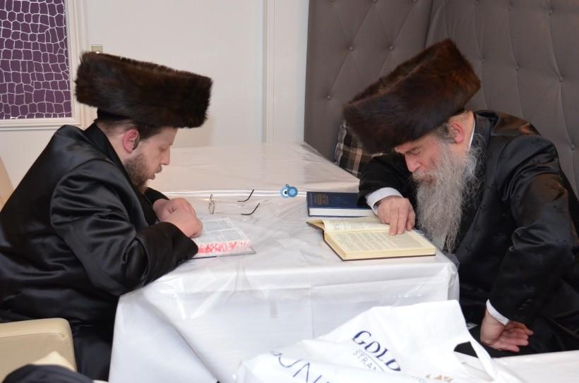 resized_שבת הכרת הטוב בעלזא חסידים צילם א ב ליבוביץ (18)