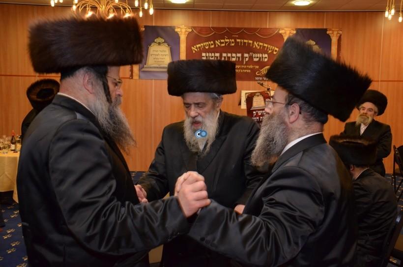 resized_שבת הכרת הטוב בעלזא חסידים צילם א ב ליבוביץ (33)