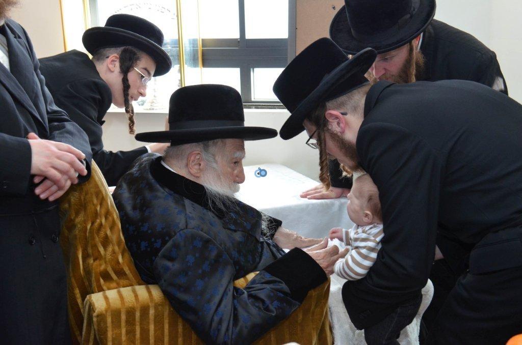 אדמו''ר מ ערלוי מערלוי בביקור היסטורי חיפה צילם אהרן ברוך ליבוביץ (10)