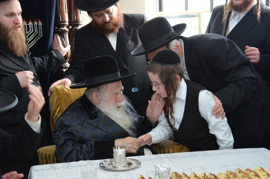 אדמו''ר מ ערלוי מערלוי בביקור היסטורי חיפה צילם אהרן ברוך ליבוביץ (15)