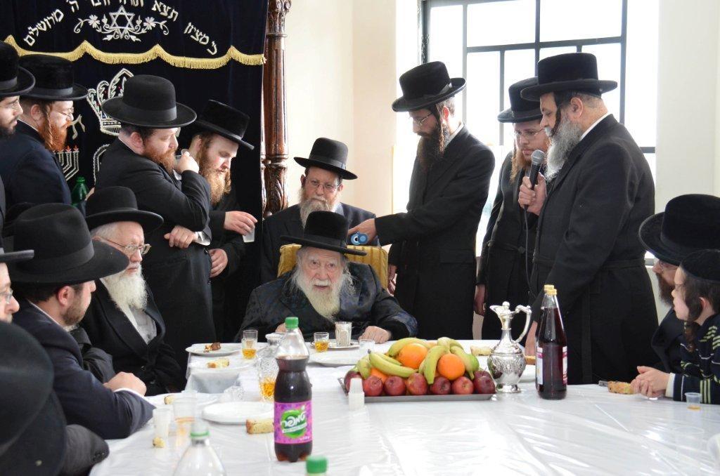 אדמו''ר מ ערלוי מערלוי בביקור היסטורי חיפה צילם אהרן ברוך ליבוביץ (2)