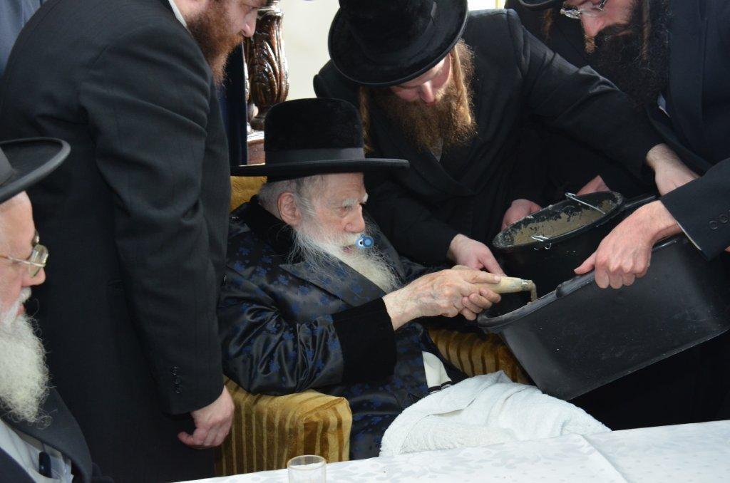 אדמו''ר מ ערלוי מערלוי בביקור היסטורי חיפה צילם אהרן ברוך ליבוביץ (4)