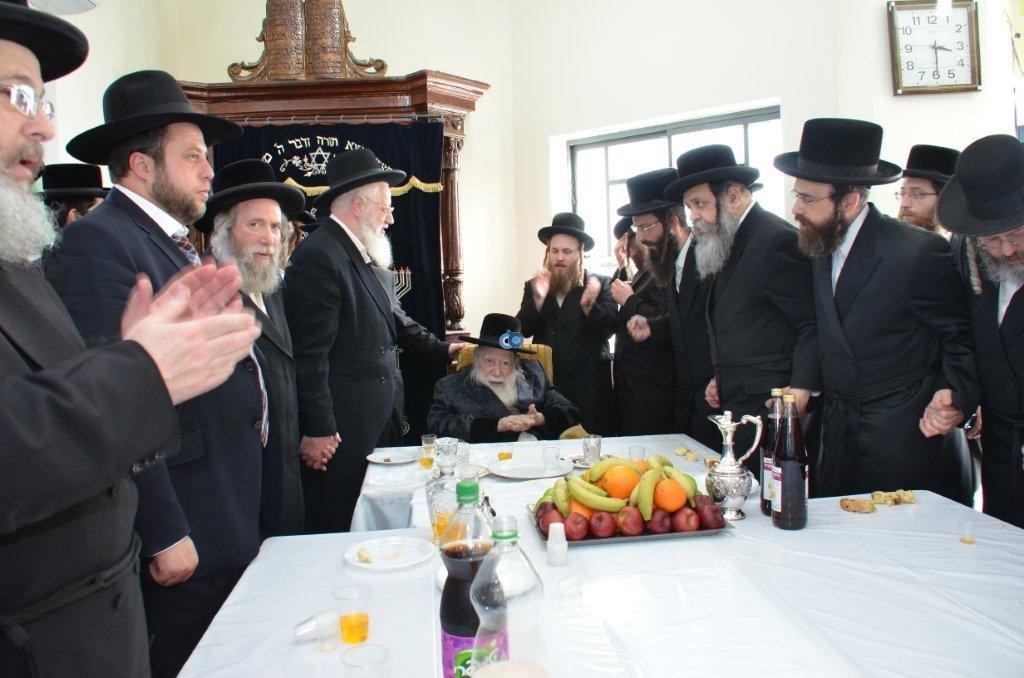 אדמו''ר מ ערלוי מערלוי בביקור היסטורי חיפה צילם אהרן ברוך ליבוביץ (8)