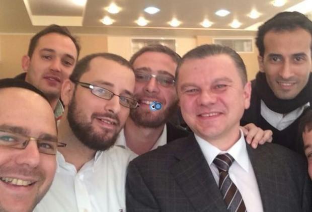 """ד""""ש מפוטין - סגן ראש ממשלת אוקראינה בסלפי עם העיתונאים החרדים"""