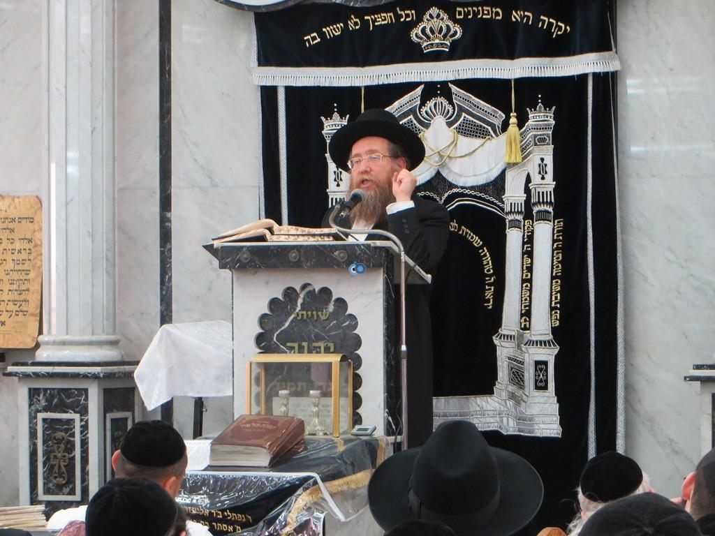 הגרש''צ רוזנבלט שיעור חג פסח ע''ד עם הרב דינר צילם שיף (2)