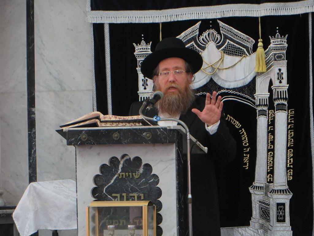 הגרש''צ רוזנבלט שיעור חג פסח ע''ד עם הרב דינר צילם שיף (4)