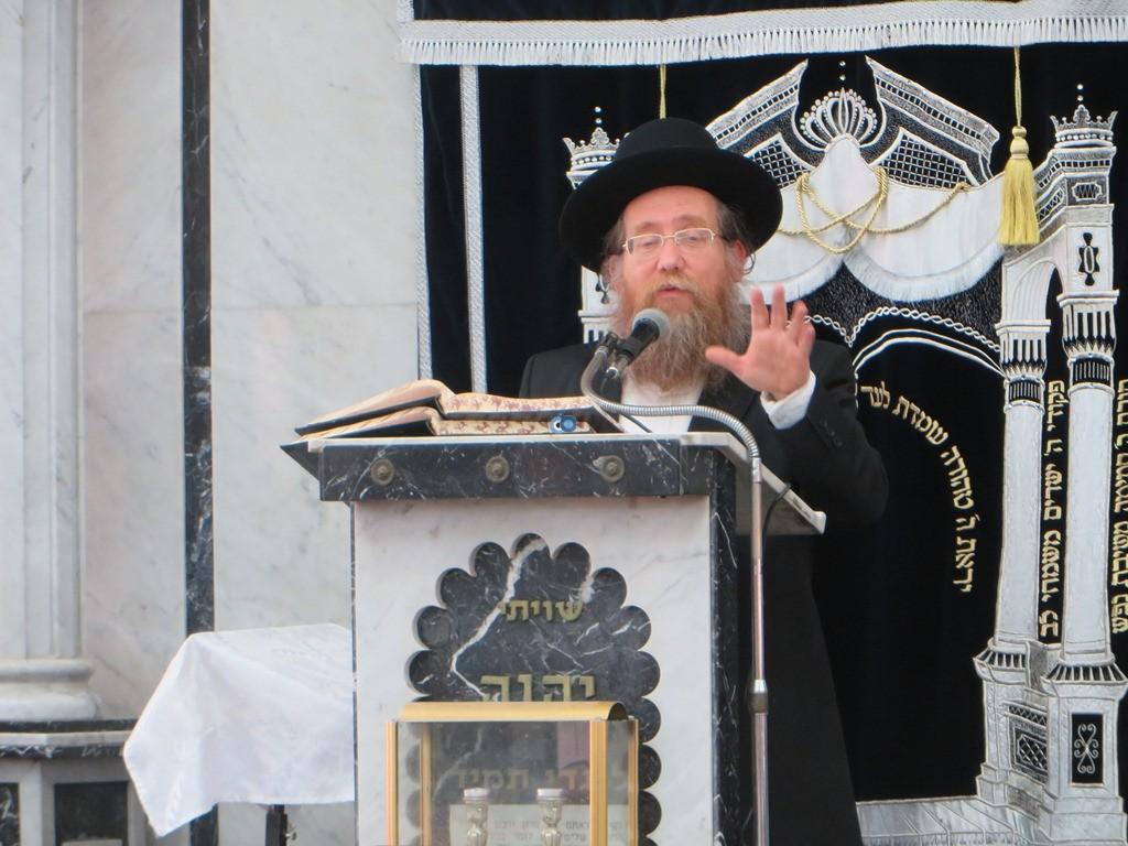 הגרש''צ רוזנבלט שיעור חג פסח ע''ד עם הרב דינר צילם שיף (8)