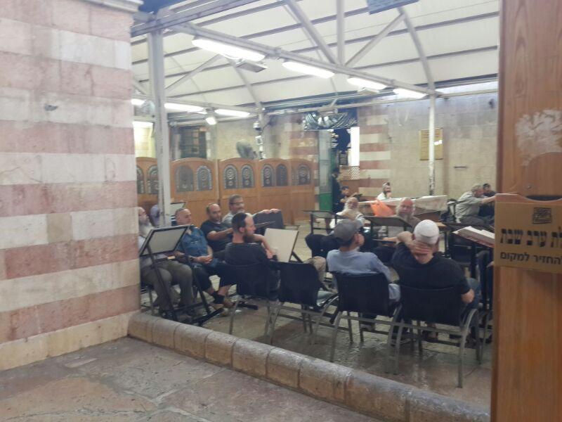 המונים בקבר רחל ומערת המכפלה בערח  אייר צילם יוסף חיים בן ציון 24(15)