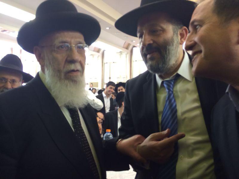 הרב כהן עם דרעי שיעור פסח עד צילם ישראל אוחיון 24 (7)