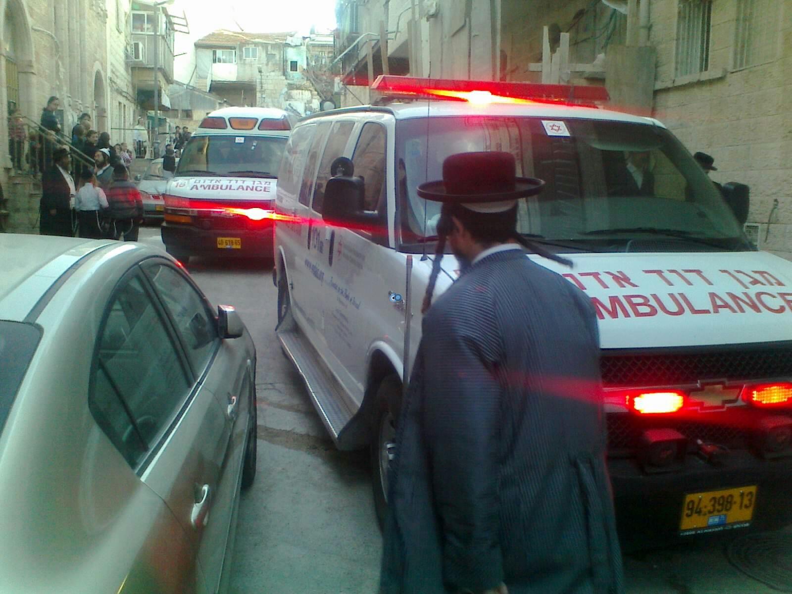 ילד פצוע בינוני מרכב מאה שערים צילם שלמה טרוייבן 24 (2)