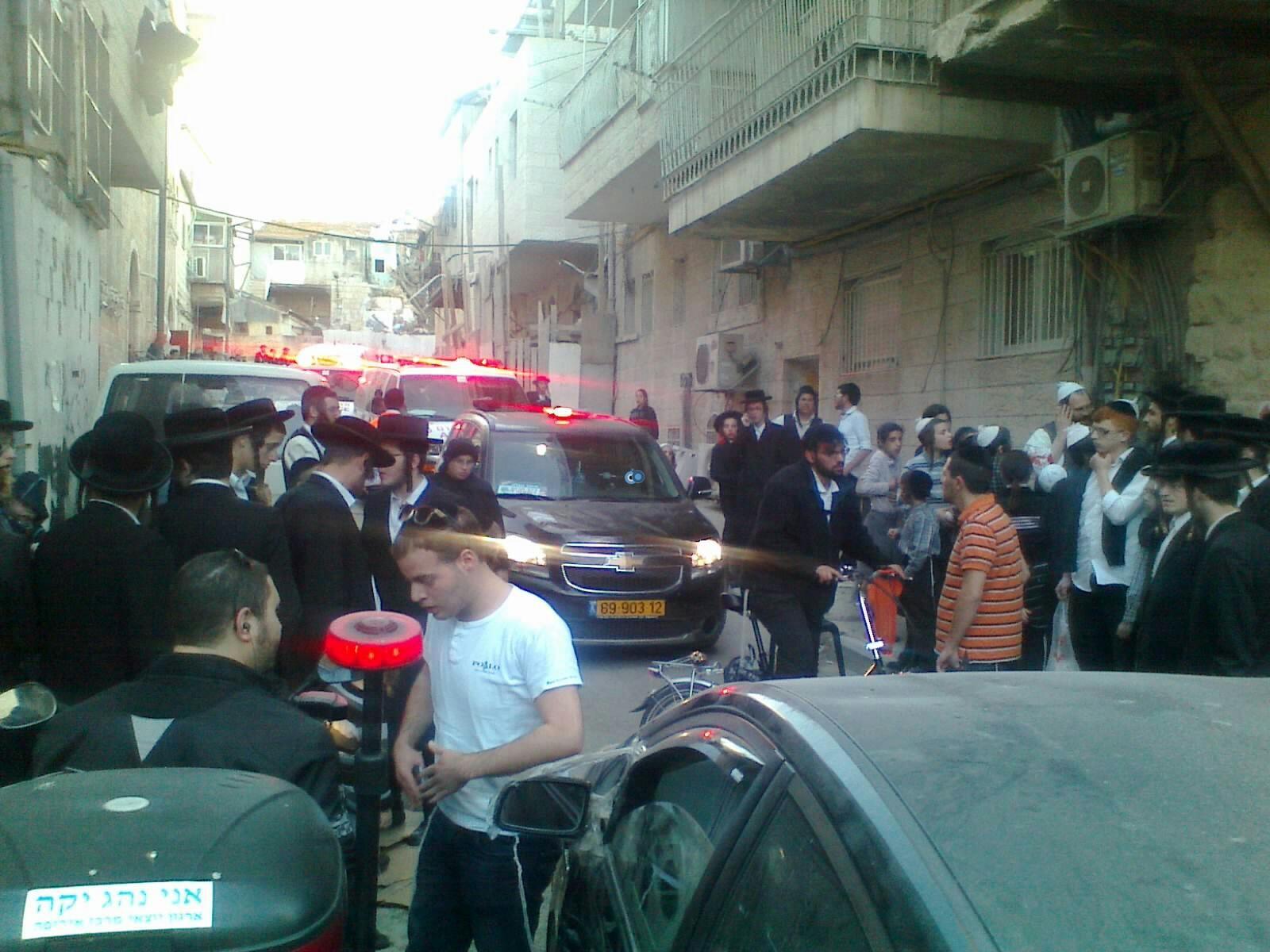ילד פצוע בינוני מרכב מאה שערים צילם שלמה טרוייבן 24 (7)