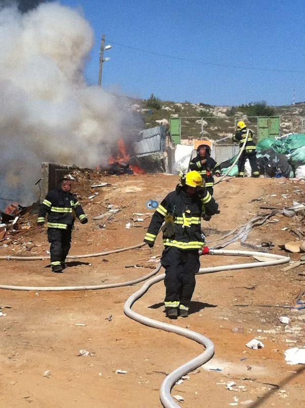 שריפה באיזור התעשיה ביתר צילם אביאל איטח 24 (10)