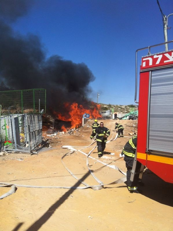 שריפה באיזור התעשיה ביתר צילם אביאל איטח 24 (12)