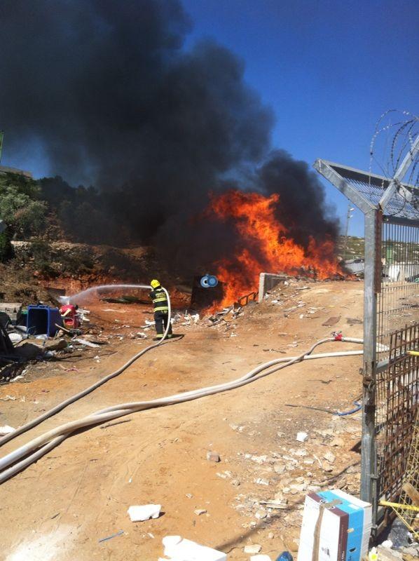 שריפה באיזור התעשיה ביתר צילם אביאל איטח 24 (2)