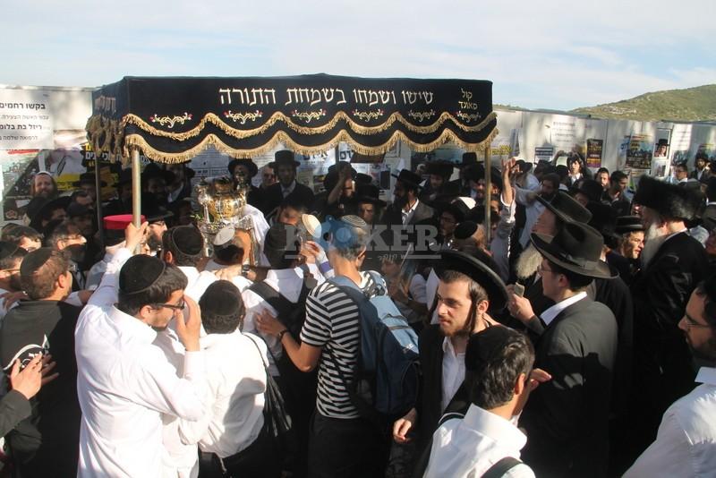הכנסת ס''ת עם הרב יחיאל אבוחצירא רמלה צילם אור הרשב''י (15)