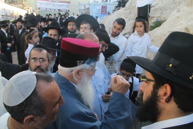 הכנסת ס''ת עם הרב יחיאל אבוחצירא רמלה צילם אור הרשב''י (4)