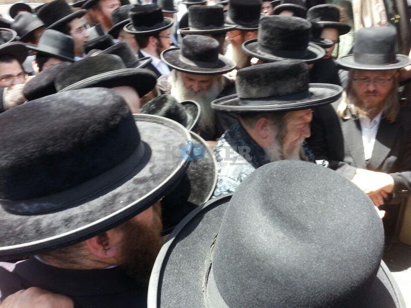 הלויה, הרבנית נדבורנא פ''ת, צילם יהודה רחמים 24 (16)