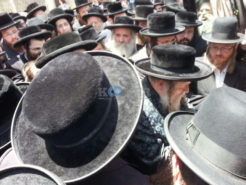 הלויה, הרבנית נדבורנא פ''ת, צילם יהודה רחמים 24 (17)