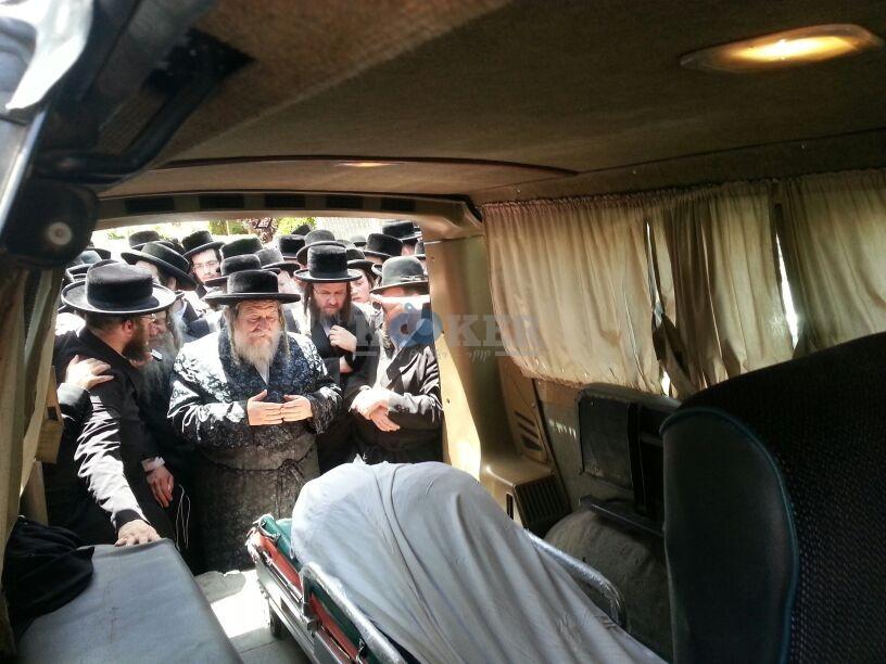 הלויה, הרבנית נדבורנא פ''ת, צילם יהודה רחמים 24 (18)