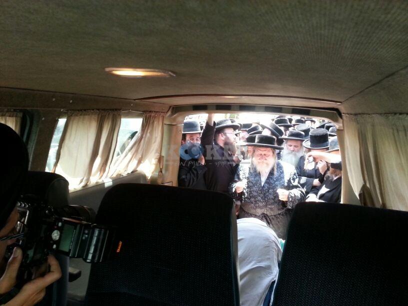 הלויה, הרבנית נדבורנא פ''ת, צילם יהודה רחמים 24 (22)