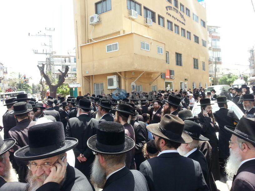 הלויה, הרבנית נדבורנא פ''ת, צילם יהודה רחמים 24 (24)