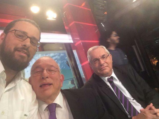 ישראל כהן בסלפי עם לונדון וקירשנבוים..