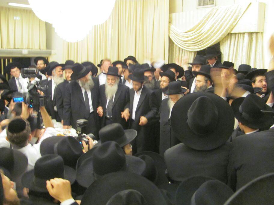 חתונה נכד הגר''ח קניבסקי צילם דוד אמרון חדשות 24 (12)