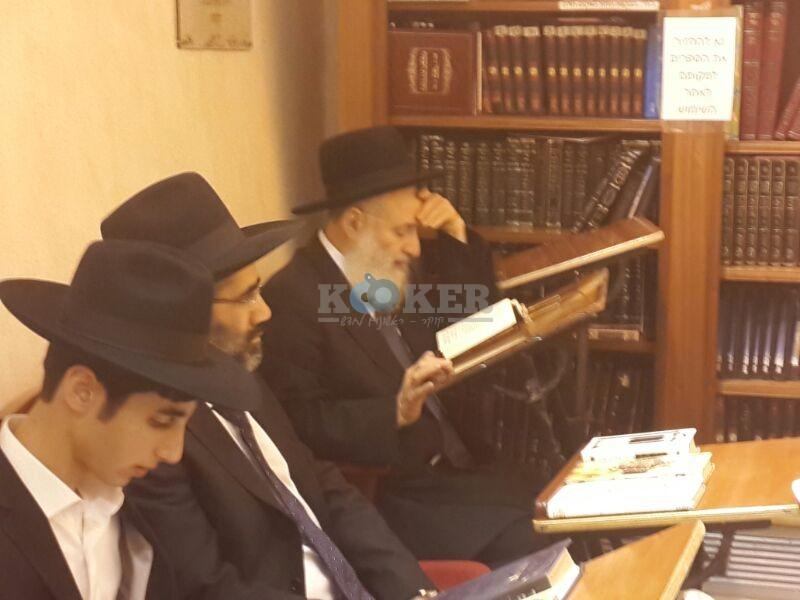 רבי ראובן אלבז בכותל המערבי מוצאי שבועות צילם יוסף חיים בן ציון 24 (12)