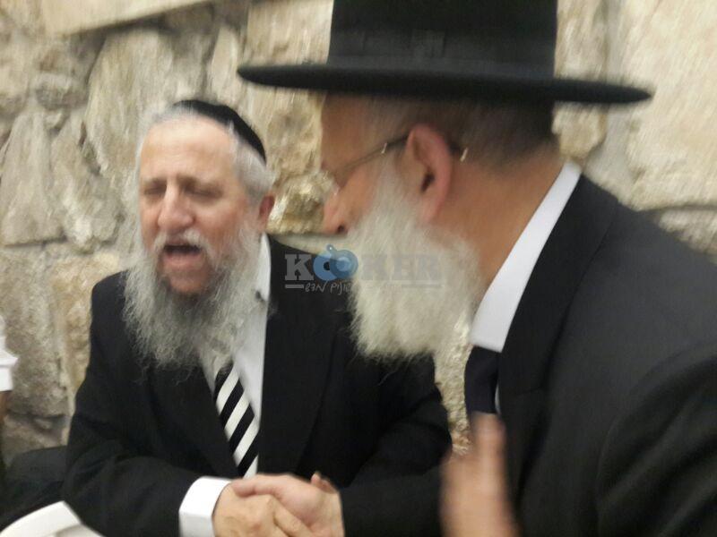 רבי ראובן אלבז בכותל המערבי מוצאי שבועות צילם יוסף חיים בן ציון 24 (21)