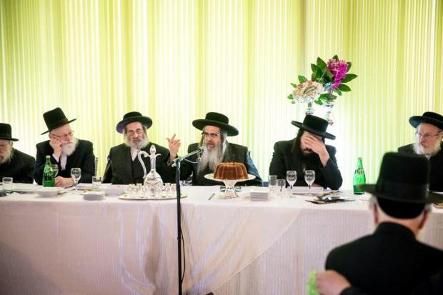 rebbe speaking (5)