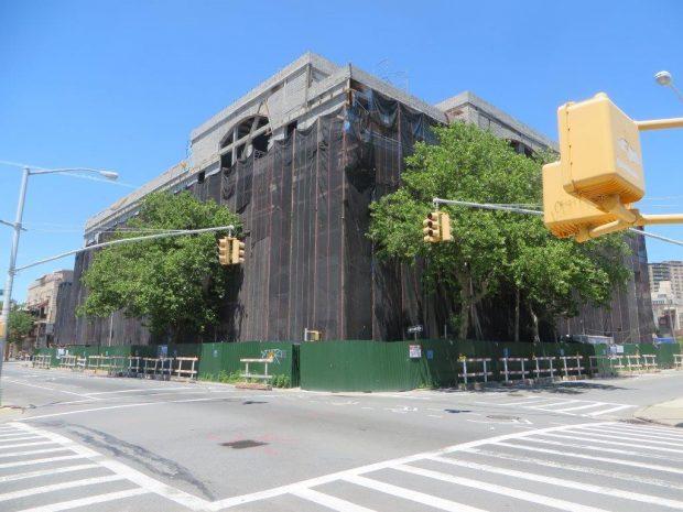 the gigantic school building (2)