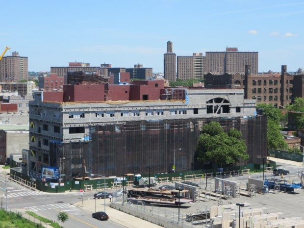 the gigantic school building (5)