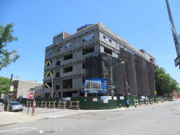 the gigantic school building (8)