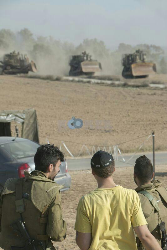 חב''ד מעודדדים את חיילי צה''ל באדיבות המצלם משיף (1)
