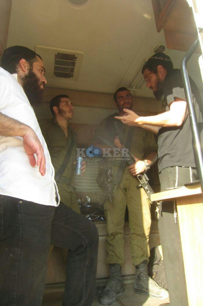 חב''ד מעודדדים את חיילי צה''ל באדיבות המצלם משיף (10)