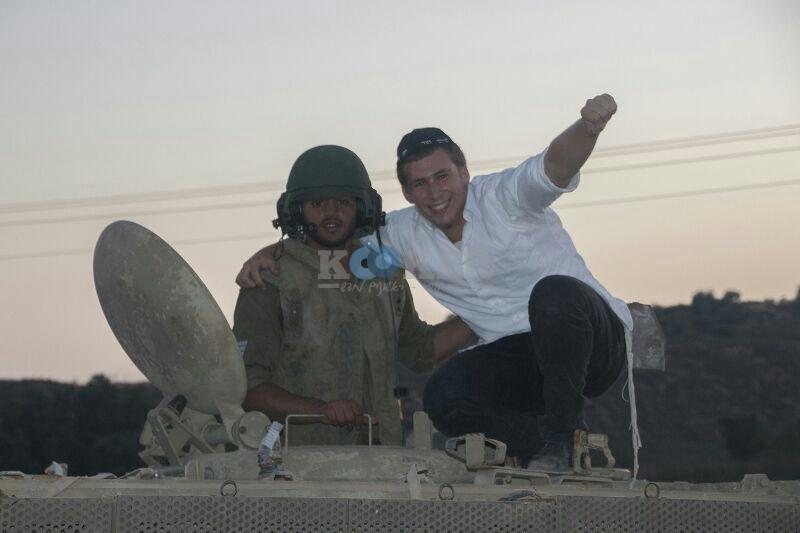 חב''ד מעודדדים את חיילי צה''ל באדיבות המצלם משיף (2)
