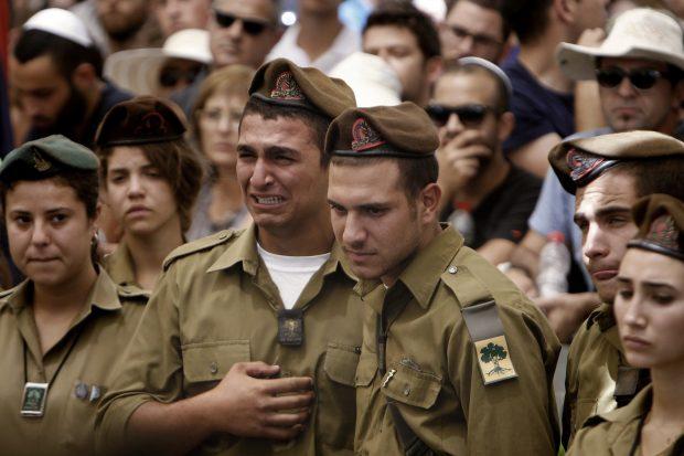 דמעות החיילים - צילום: פלאש 90