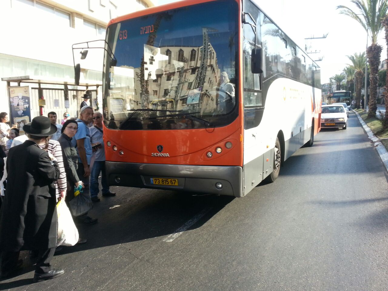 אוטובוס אוטובוסים חרדים נוסעים זועמים - צילם יהודה רחמים 24 (5)
