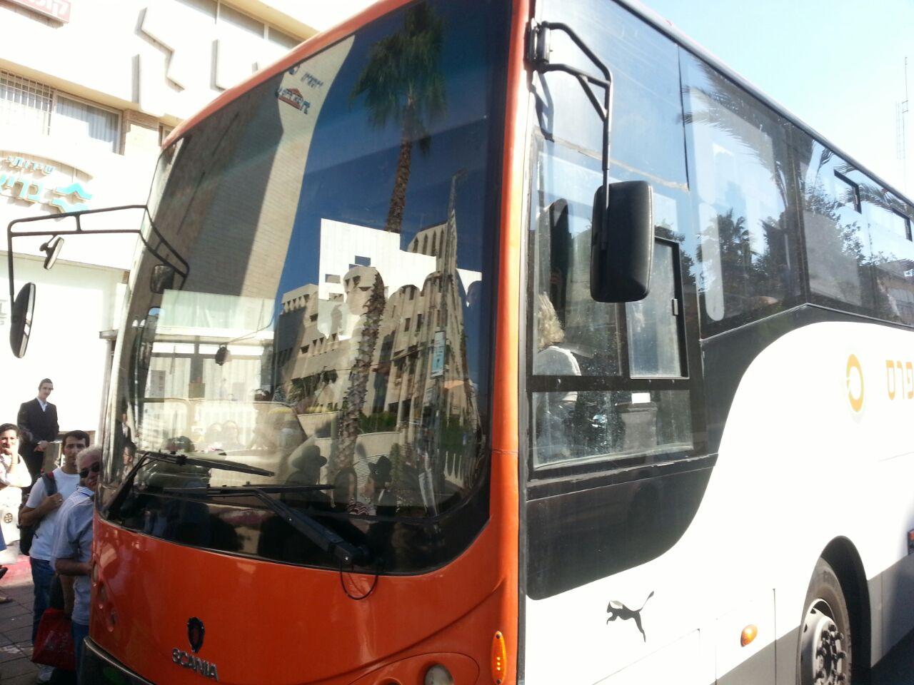 אוטובוס אוטובוסים חרדים נוסעים זועמים - צילם יהודה רחמים 24 (8)